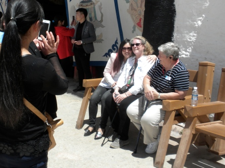 Robin being photographed by Chinese tourists, for the second time on the trip