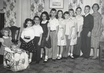 The Tuttle cousins in 1955. Robin is in the middle.